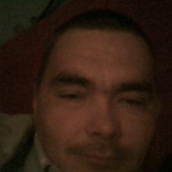 Симпатичный парень ищет девушку на ночь в Магнитогорске